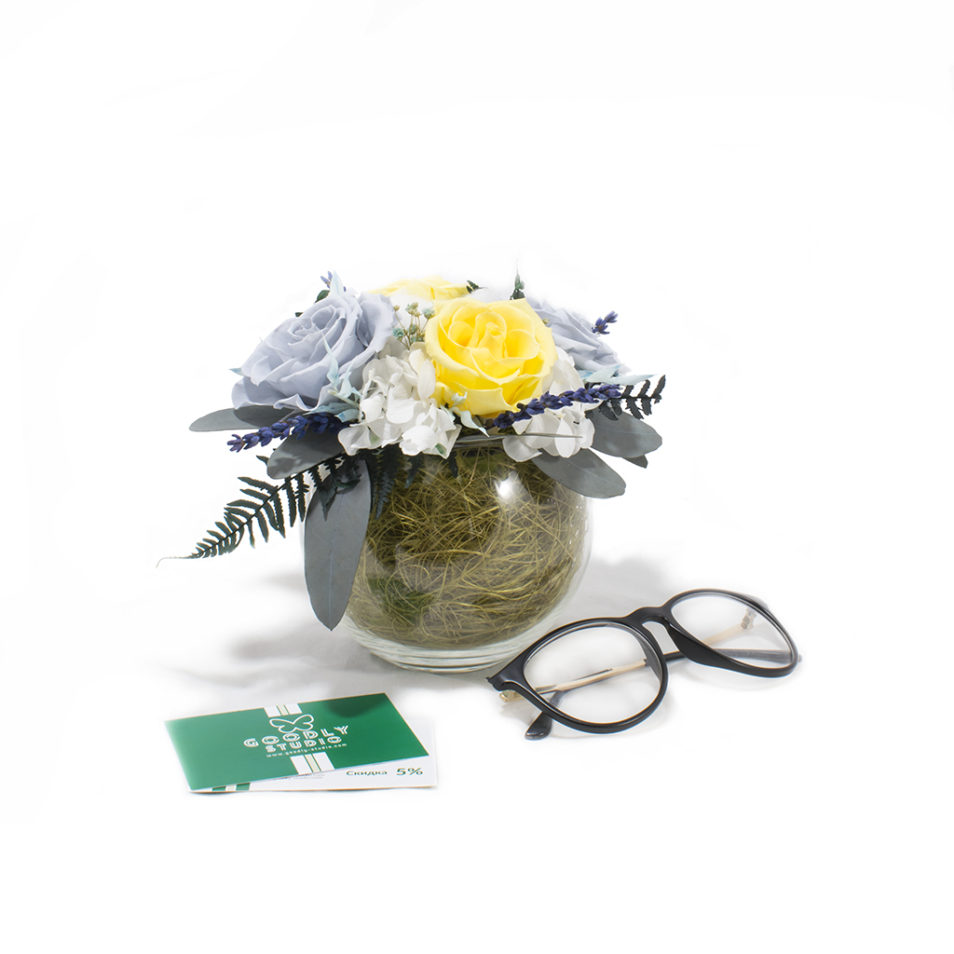 Букет из стабилизированных цветов купить в Москве фото