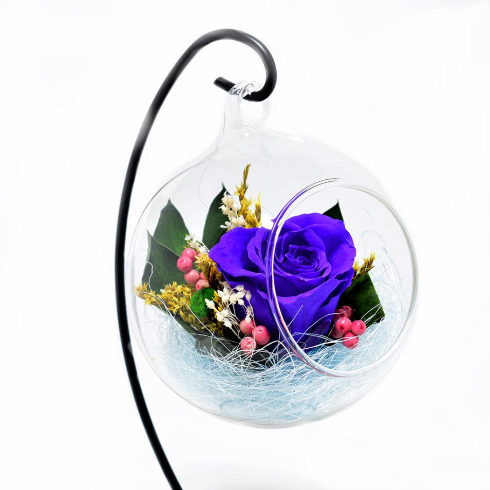 Цветы в стеклянном шаре купить