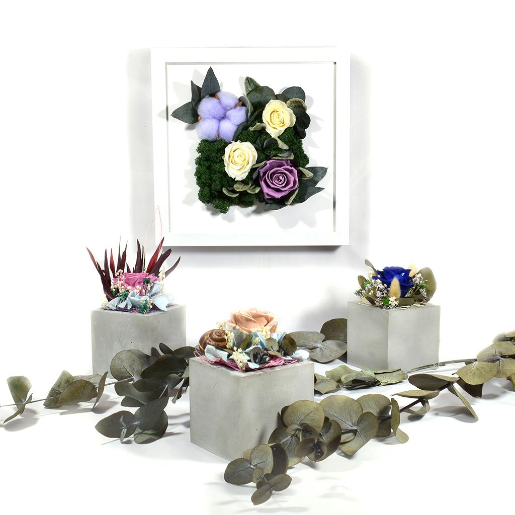 Декоративное панно на стену и три кашпо с цветами -10%