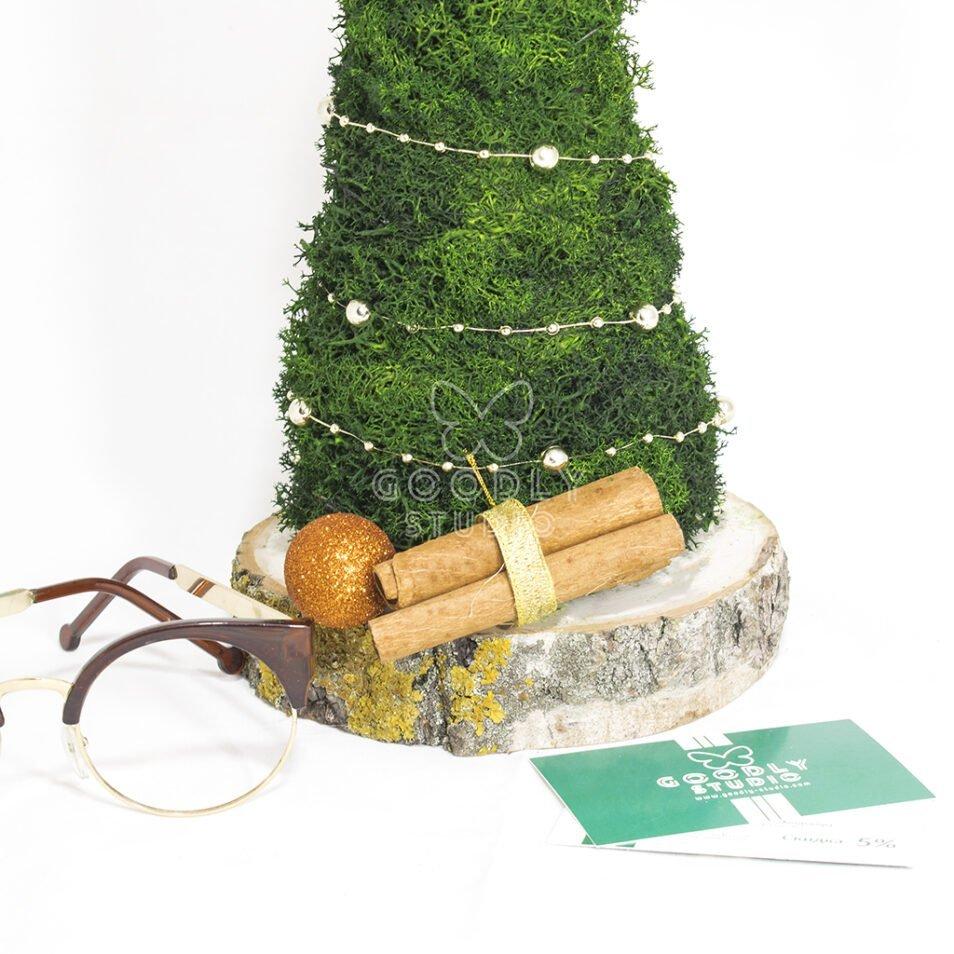 Декоративная елка из мха